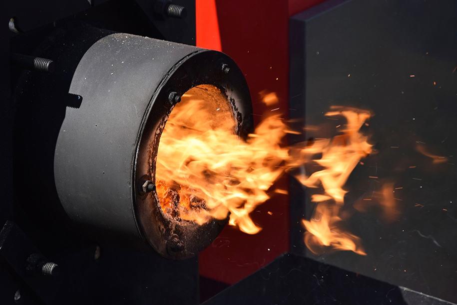 Industrieofen mit offener Flamme