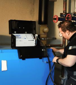 ecom-EN3 - Abgasmessgerät Anwendung auf Kessel